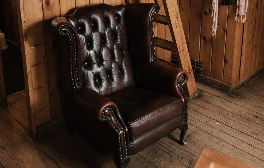 Pourquoi choisir un fauteuil Chesterfield en cuir ?